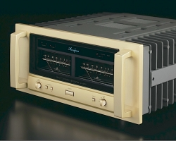 Accuphase P 6100
